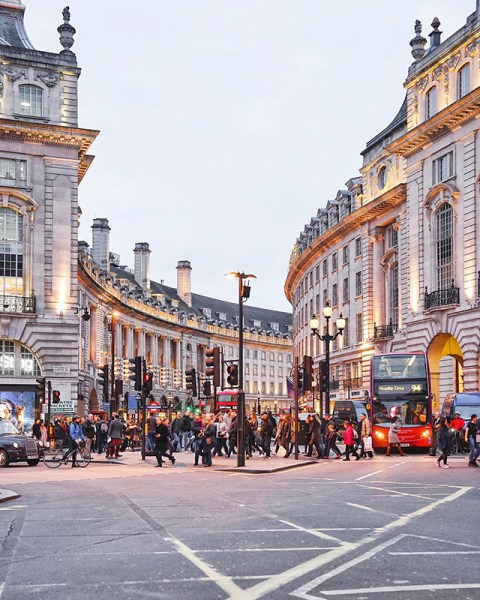 London by @framboisejam