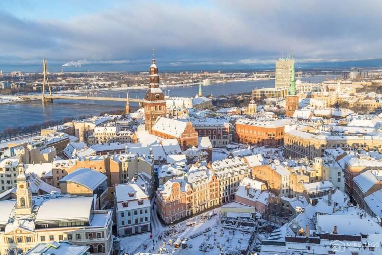 Horizonte de Riga da Igreja de São Pedro