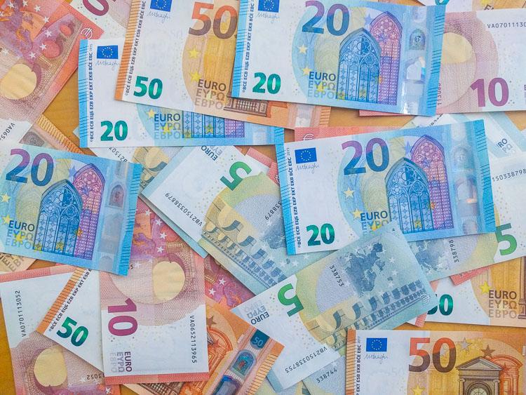 Notas e economia de dinheiro