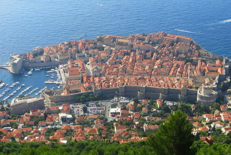 Dubrovnik-1138575_1920 via licença Pixabay CC0