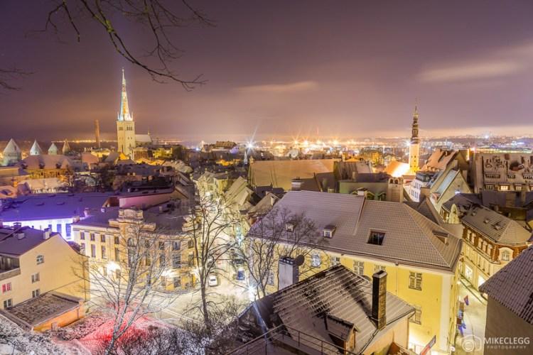 Plataforma de observação Kohtuotsa à noite, Tallinn