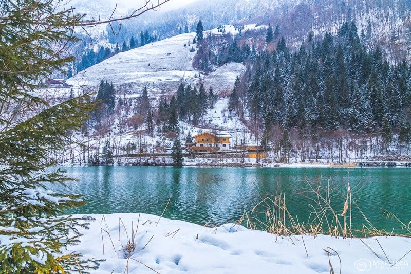 Lago Klammsee no inverno