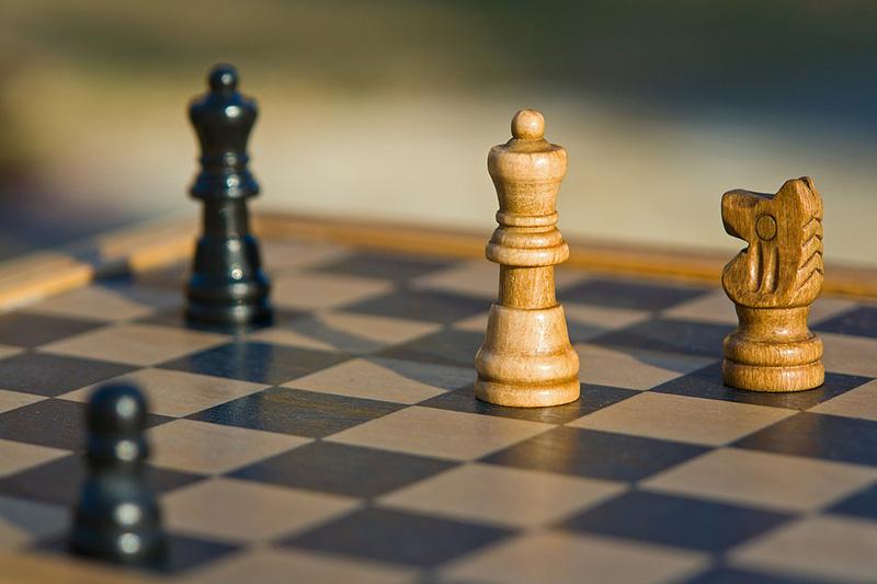 Jogando xadrez - CC0 (Pixabay)