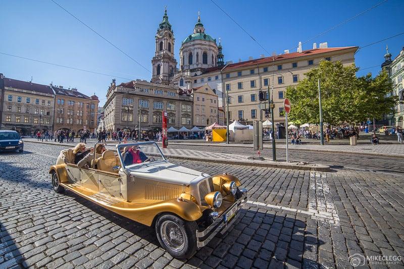 Carro Antigo Tradicional de Praga
