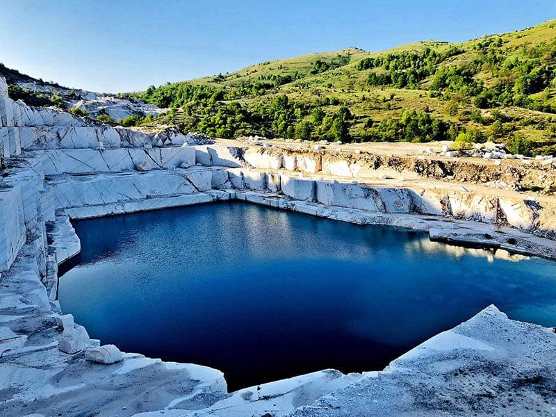 Marble Lake perto de Prilep, Macedônia