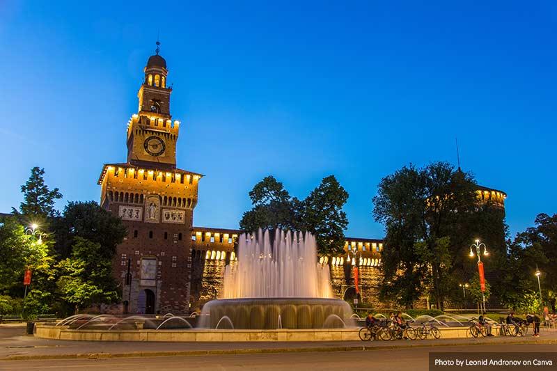 Castelo Sforza no crepúsculo