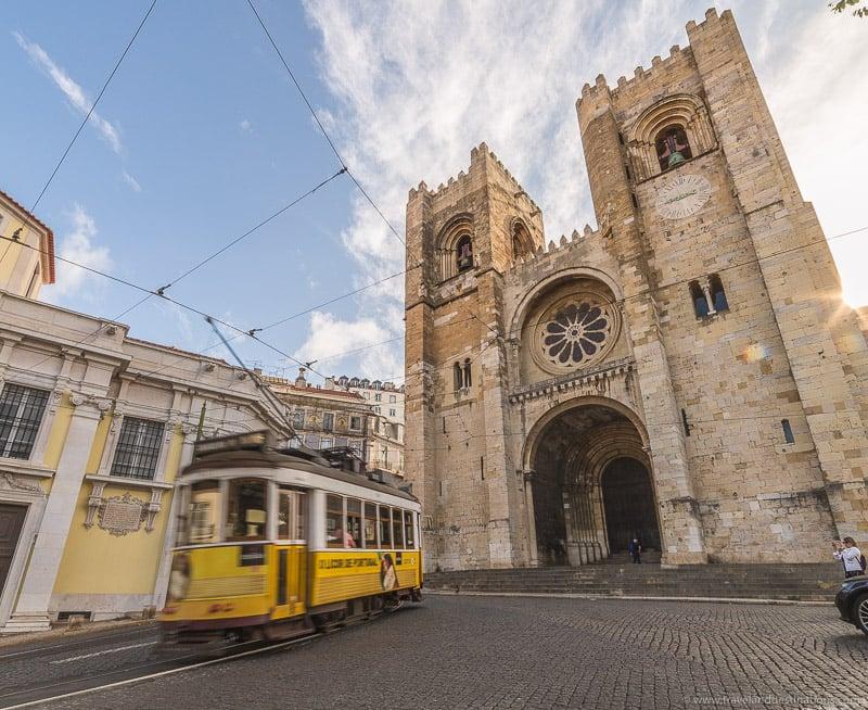 Catedral de Lisboa e bondes