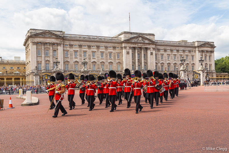Horse-Guards-Parade-at-Buckingham-Palace