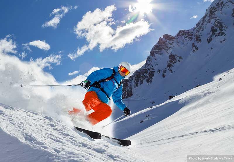 Esquiador na montanha