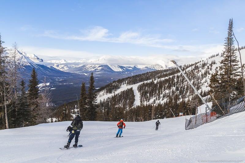 Esquiadores e estações de esqui