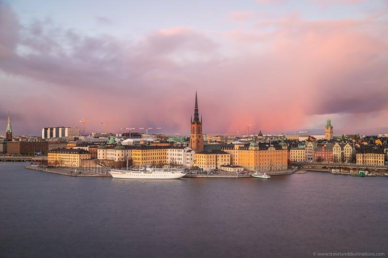 Vistas de Estocolmo e Gamla Stan de Monteliusvagen