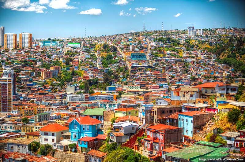 Cidade colorida de Valparaíso no Chile