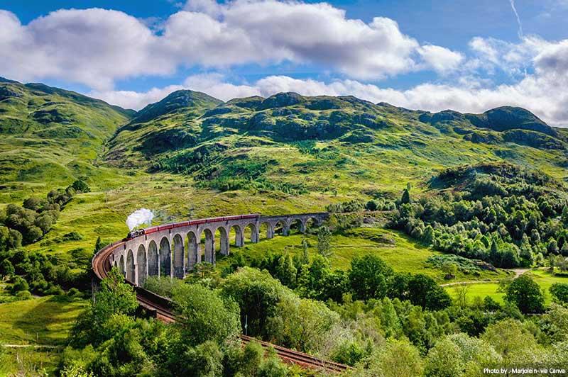 O Viaduto Glenfinnan - West Highland Line na Escócia