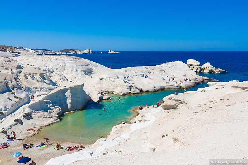 Praia Sarakiniko, ilha de Milos, Grécia