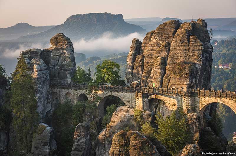 A ponte Bastei, Parque Nacional da Suíça Saxônica, Alemanha