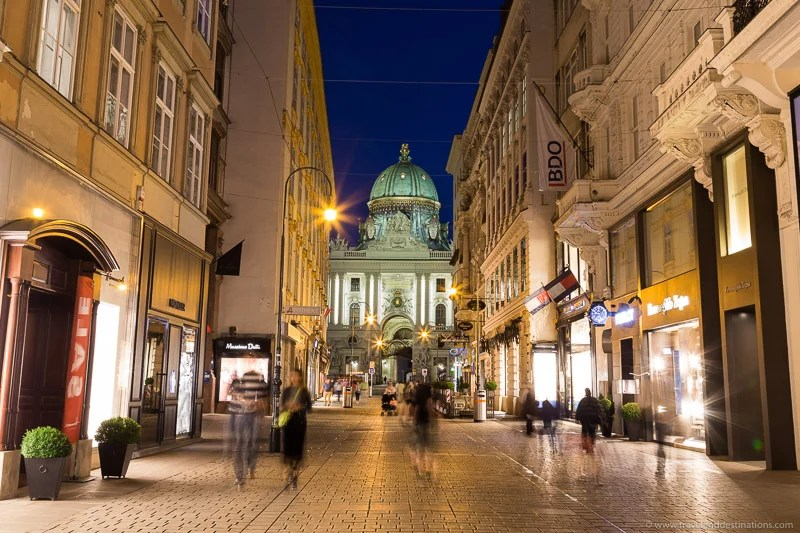 Ruas no Innere Stadt de Viena à noite