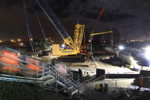 1,000-Tonne Crane Replaces Bootle Bridge