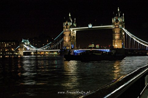 TravelAnQa-Londyn-Queens-Walk-Tower-Bridge_3740_batch