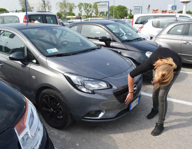 Check je huurauto - tips bij auto huren in het buitenland