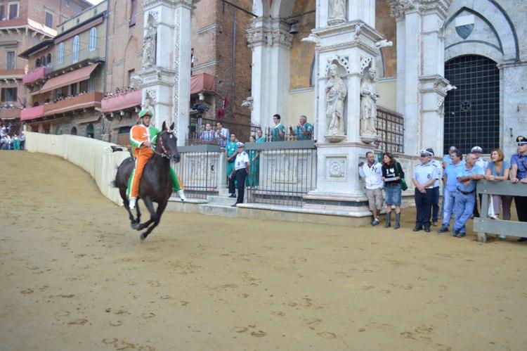 Trial race, Fantino Giovanni Atzeni (Tittia) op Istriceddu voor contrada Selva