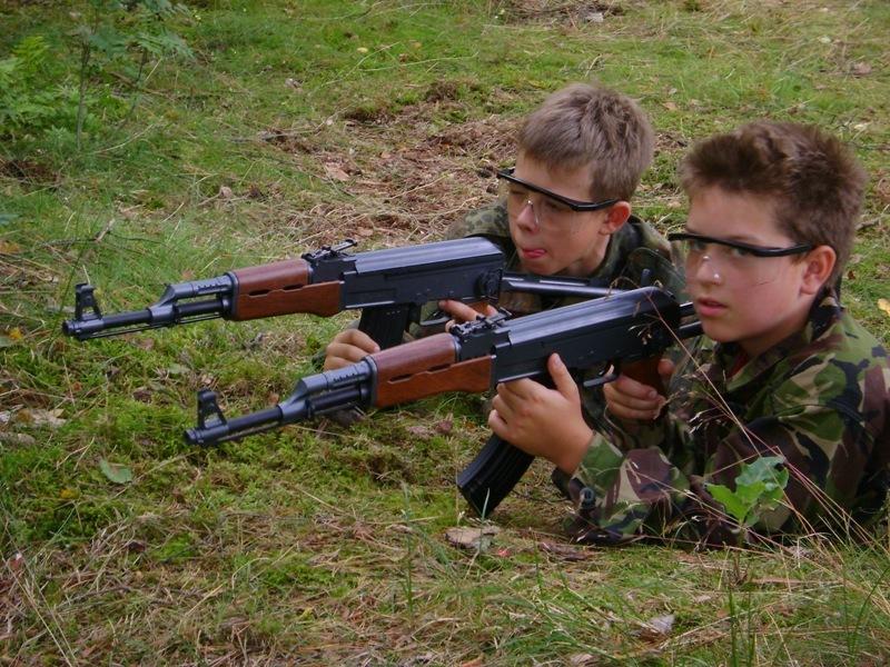 Znalezione obrazy dla zapytania militarne obozy dla dzieci na Ukrainie