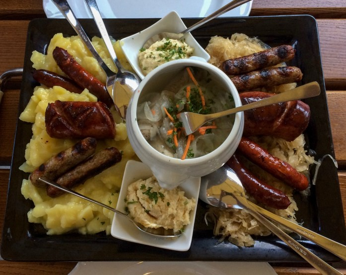 Bratwurst plate, Bratwurst Röslein, Nuremberg, Germany