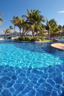Grand Oasis Cancun All Inclusive Resort