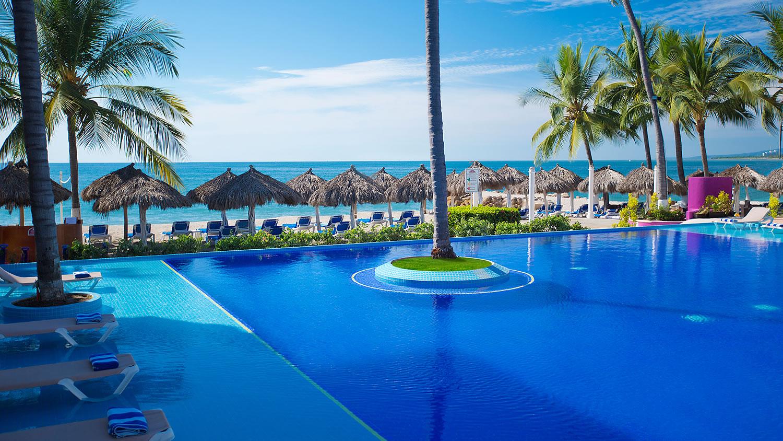 Crown Paradise Club Puerto Vallarta Travel By Bob