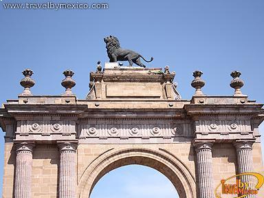Triumphal Arch of the City of Leon Len