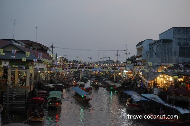 To Bangkok Floating Market By Bus or Taxi