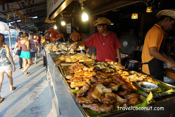 Guide to Amphawa Floating Market