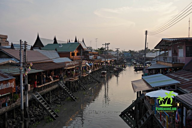 How to go to Thailand Floating Market