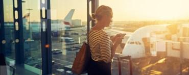 Tanie linie lotnicze i astronomiczne opłaty