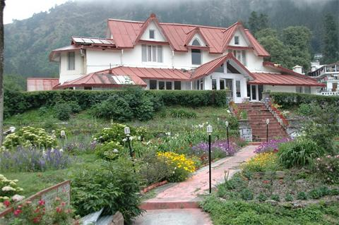 The Earl S Court Nainital 2011 New Year Package Rs 12420
