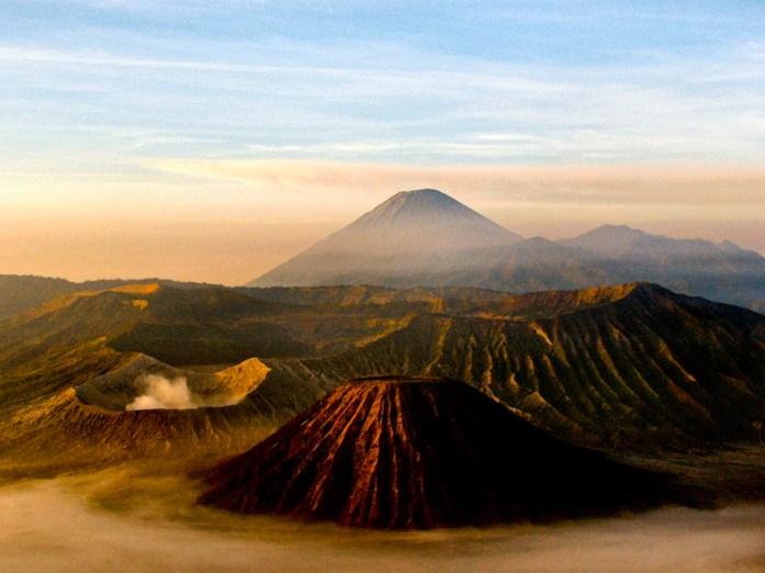 volcano-16912_1280
