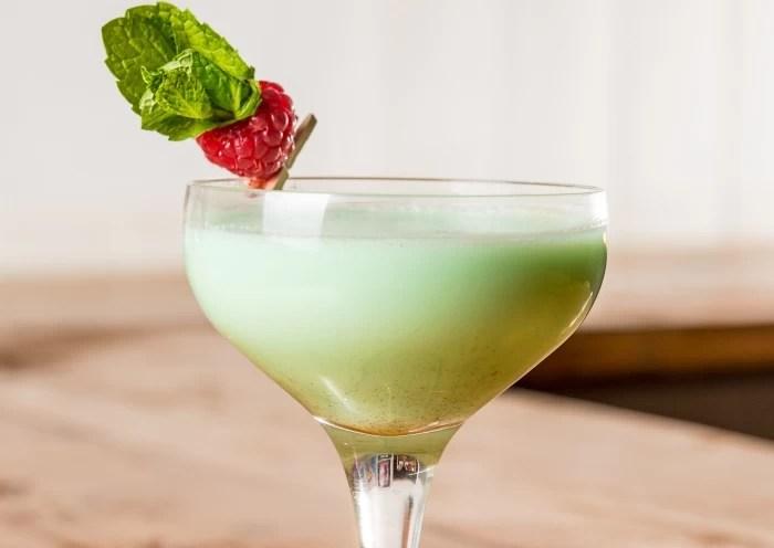 Bulldog Gin cocktail