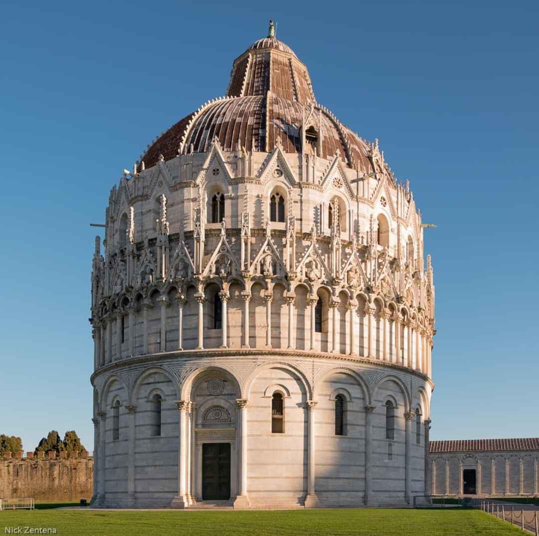 Battistero di San Giovanni Pisa Italy