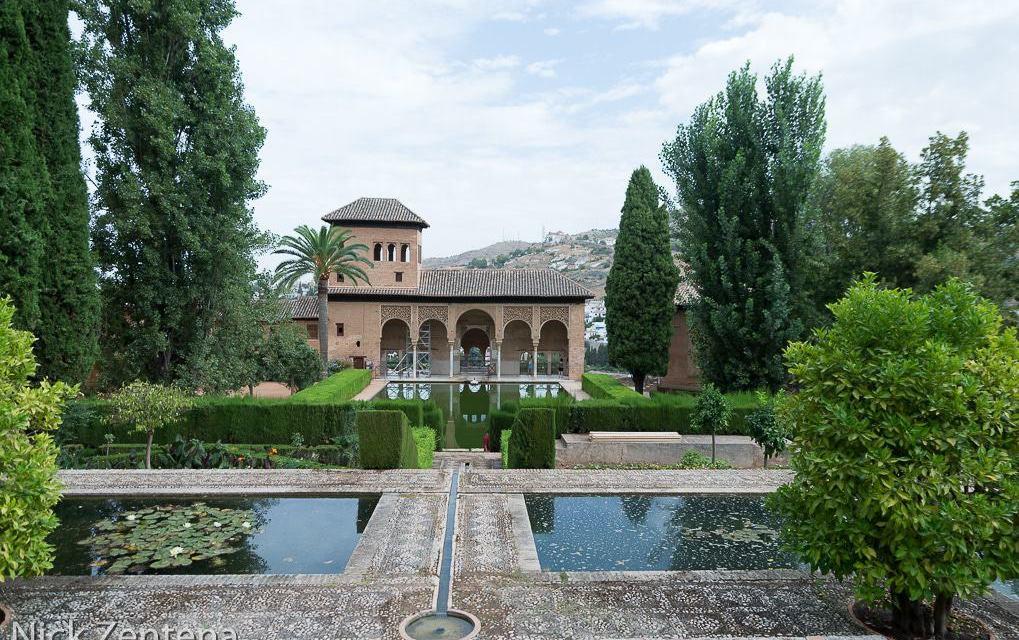 Alhambra pool