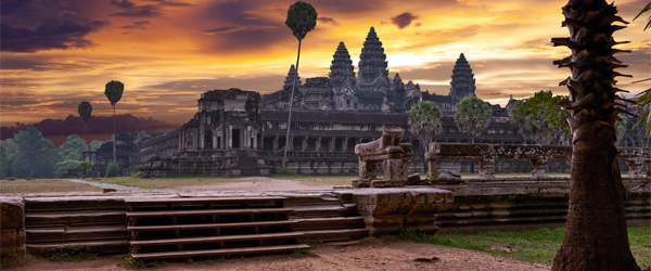 Angkor Wat is already beautiful, but its sunsets are on a whole other level.