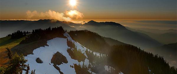 Hurricane Ridge and its hiking trail on the Olympic Peninsula. Photo by javi.velazquez/Flickr.
