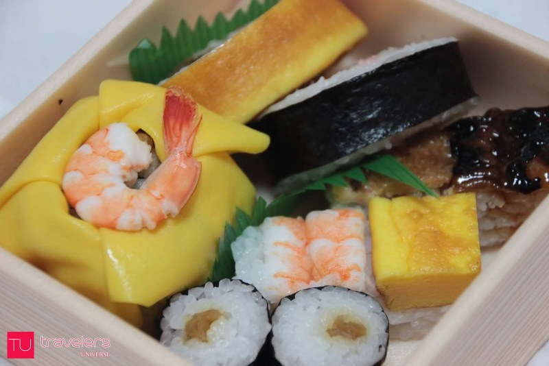 Best things to do in Tokyo - Eat sushi