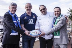 Italy's Head Coach Conor O'Shea took time out from his pre-match schedule to join Bord Bia for an Irish beef promotional event in Rome. Conor and top Italian chef Andrea Fusco co-hosted the Chefs' Irish beef Club (CIBC) event which attracted a number of influential Italian food writers. Guests were served an Irish beef dish inspired by tomorrow's Six Nations clash. Pictured at the event were (l-r ): Ambassador of Ireland to Italy Mr. Bobby Mc Donagh, Former Irish rugby star and Italy's Head Coach Conor O'Shea, Italian chef Andrea Fusco, Nicolas Ranninger, Manager, Bord Bia Italy.