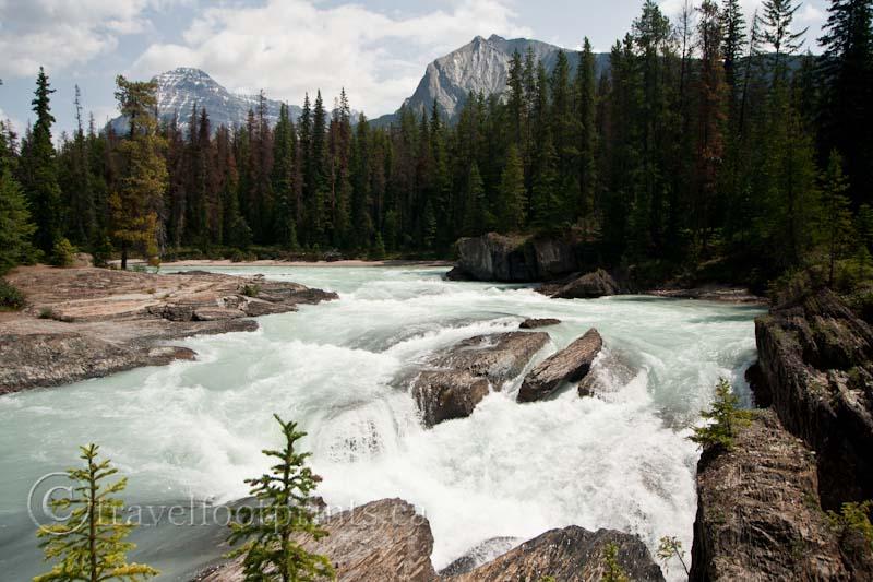 Emerald Lake And The Natural Bridge