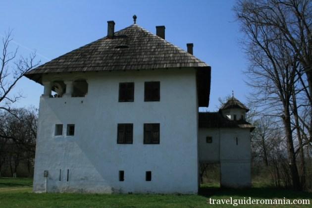 Travel Guide Romania- Cornoiu Construction