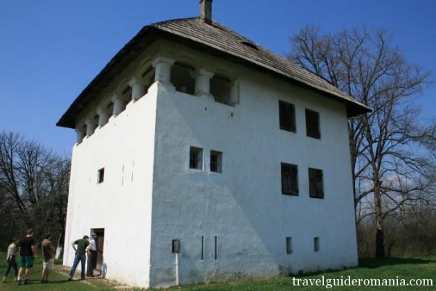 Travel Guide Romania-Cornoiu cula