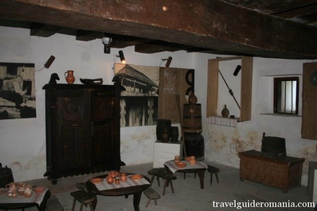Travel Guide Romania- Cula room
