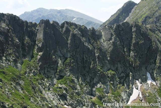 close gates ridge in retezat mountains