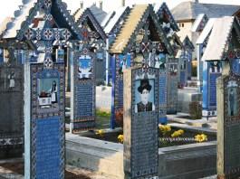 Cimitirul vesel de la Sapanta - Maramures
