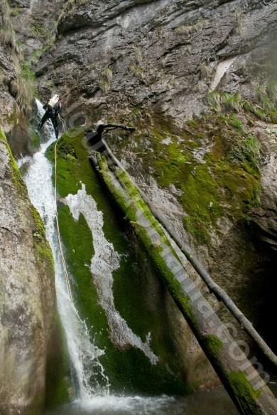 Cascada pe Canionul Oselu - Parcul Natural Apuseni
