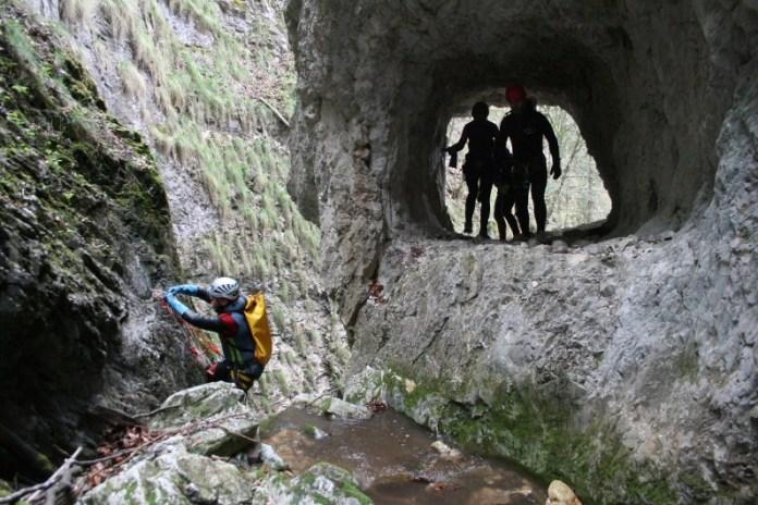 Sporturi montane - canyoning